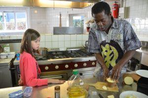 Aan het koken met leerlingen in Londerzeel