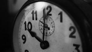 Afbeelding analoge klok aanduiding om 10 uur