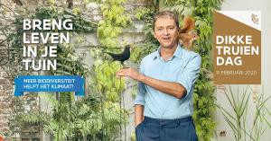 Frank Deboosere met een vogel op de hand