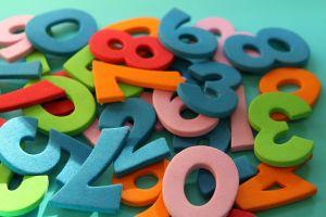Verschillende kleurrijke cijfers