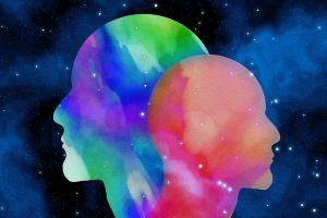 Twee kleurrijke hoofden