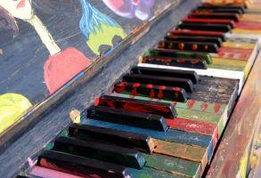 gekleurde pianotoetsen
