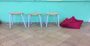 drie krukjes en een zitzak
