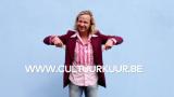 man wijst naar link www.cultuurkuur.be