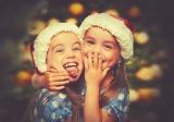 Meisjes met kerstmuts