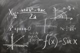 Schoolbord met wiskundeformule op