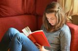 meisje leest.